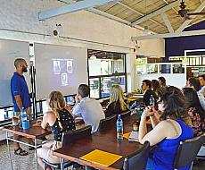 Learn how to become an English teacher in Manuel Antonio